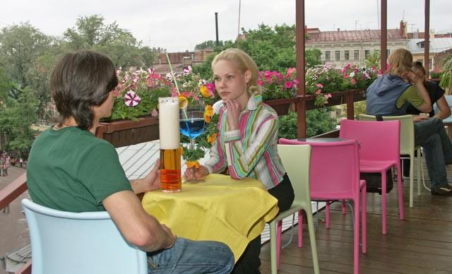 разговор в кафе