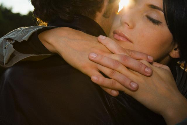 Почему женщины любят мужчин