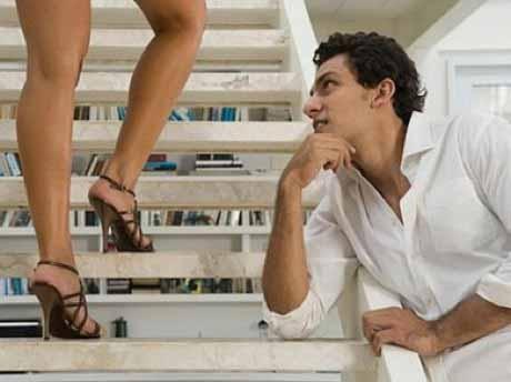 поведение женщины с мужчиной